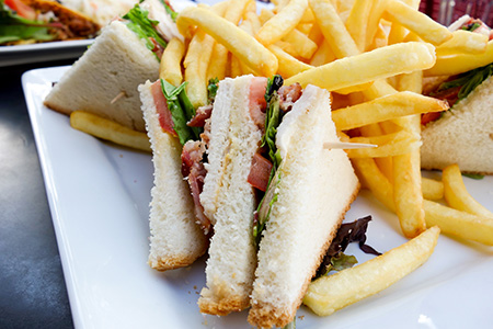 sandwiches and chips, parties catering
